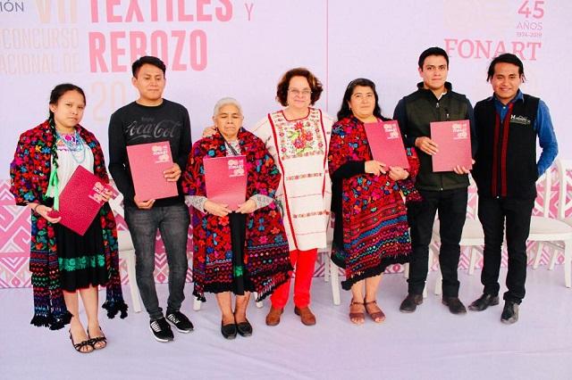 Artesanos poblanos ganan Concurso Nacional de Textiles