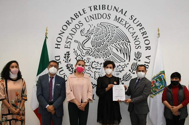 Dan a Poder Judicial de Puebla distintivo en Norma Mexicana en Igualdad Laboral