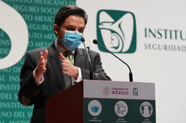 IMSS prevé concluir en enero vacunación contra COVID-19