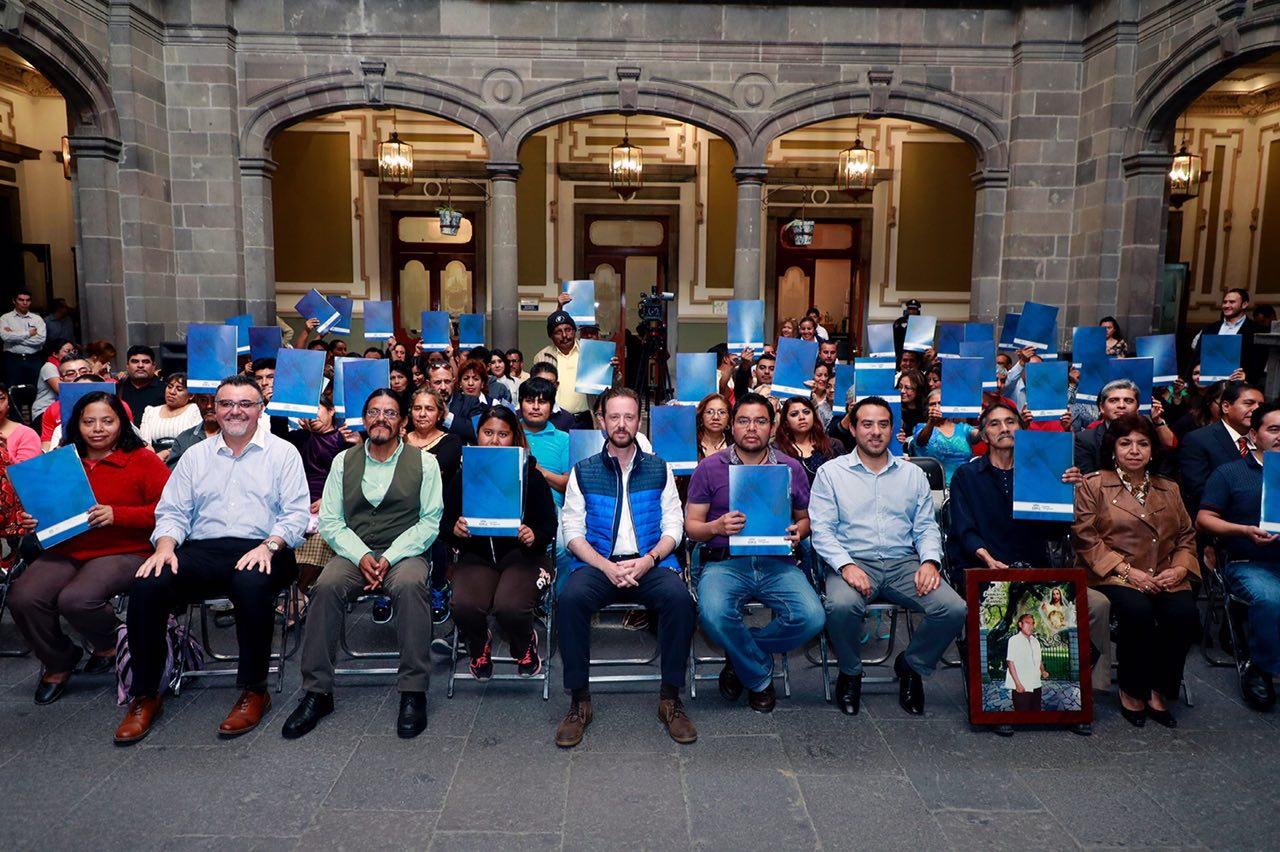 Banck entrega escrituras en mercados Morelos, Independencia y Zapata