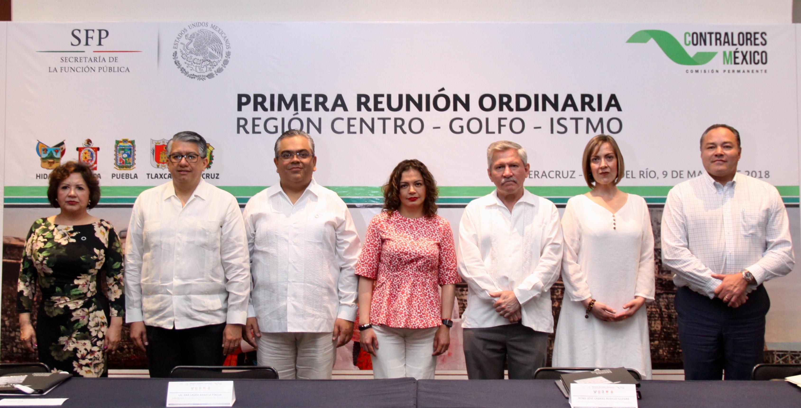 Participa Rodolfo Sánchez Corro  en  reunión de contralores en Veracruz