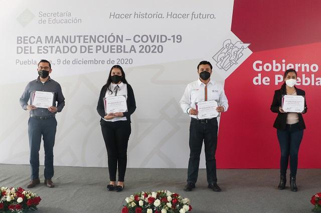 Dan Beca Manutención COVID-19 a 9 mil estudiantes en Puebla