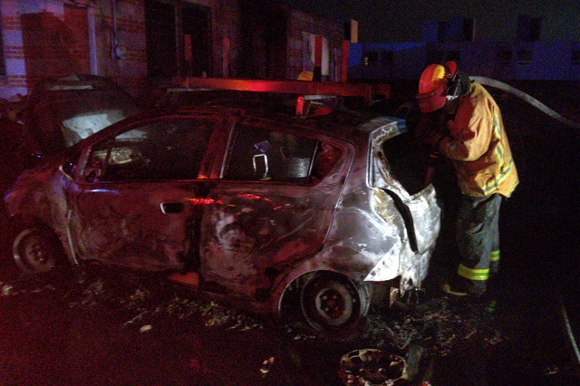 Incendian vehículos de Telmex en Misiones de San Francisco