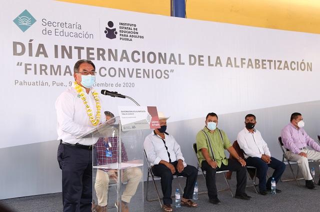 Alfabetizará IEEA en ayuntamientos de la Sierra Norte de Puebla