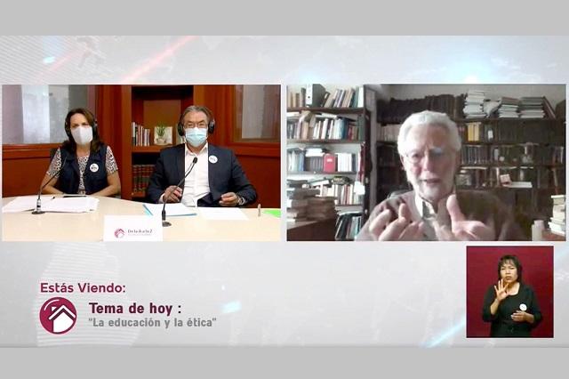 Destacan la ética en educación en programa de TV de Puebla