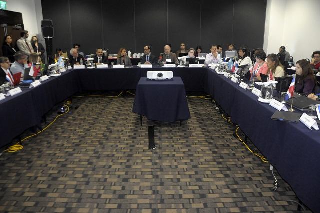 Expertos se reúnen para analizar sistemas de evaluación educativa