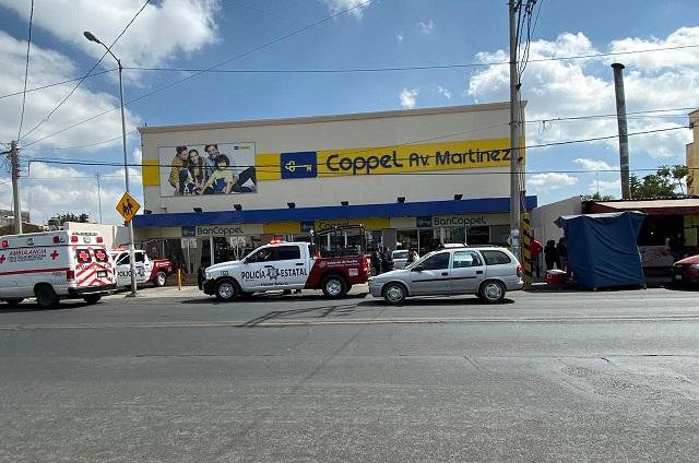 Comando de ocho hombres asalta Coppel en Huejotzingo