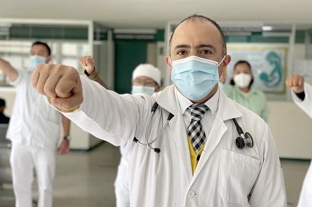 Médico del IMSS contrae Covid, se recupera y regresa al combate