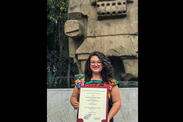 Premia INAH tesis de egresada de Antropología de la UDLAP