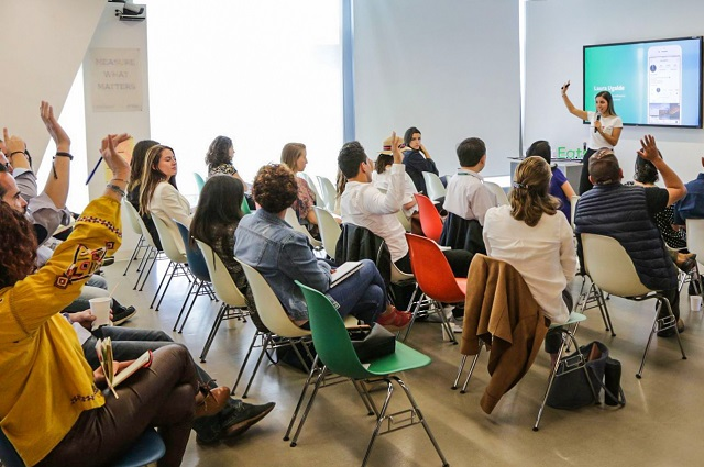 Egresada UDLAP es embajadora del programa Women Index
