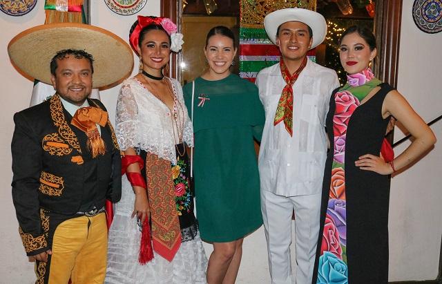 Representan a UDLAP en fiestas  patrias del Consulado de México en Houston