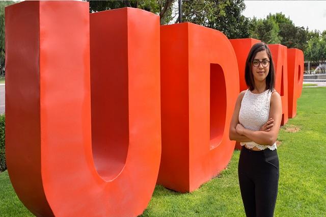 Estudiante UDLAP participa en encuentro de creadores del INBA