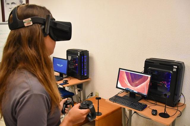 Equipo de realidad virtual en Ciencias Químico Biológicas UDLAP