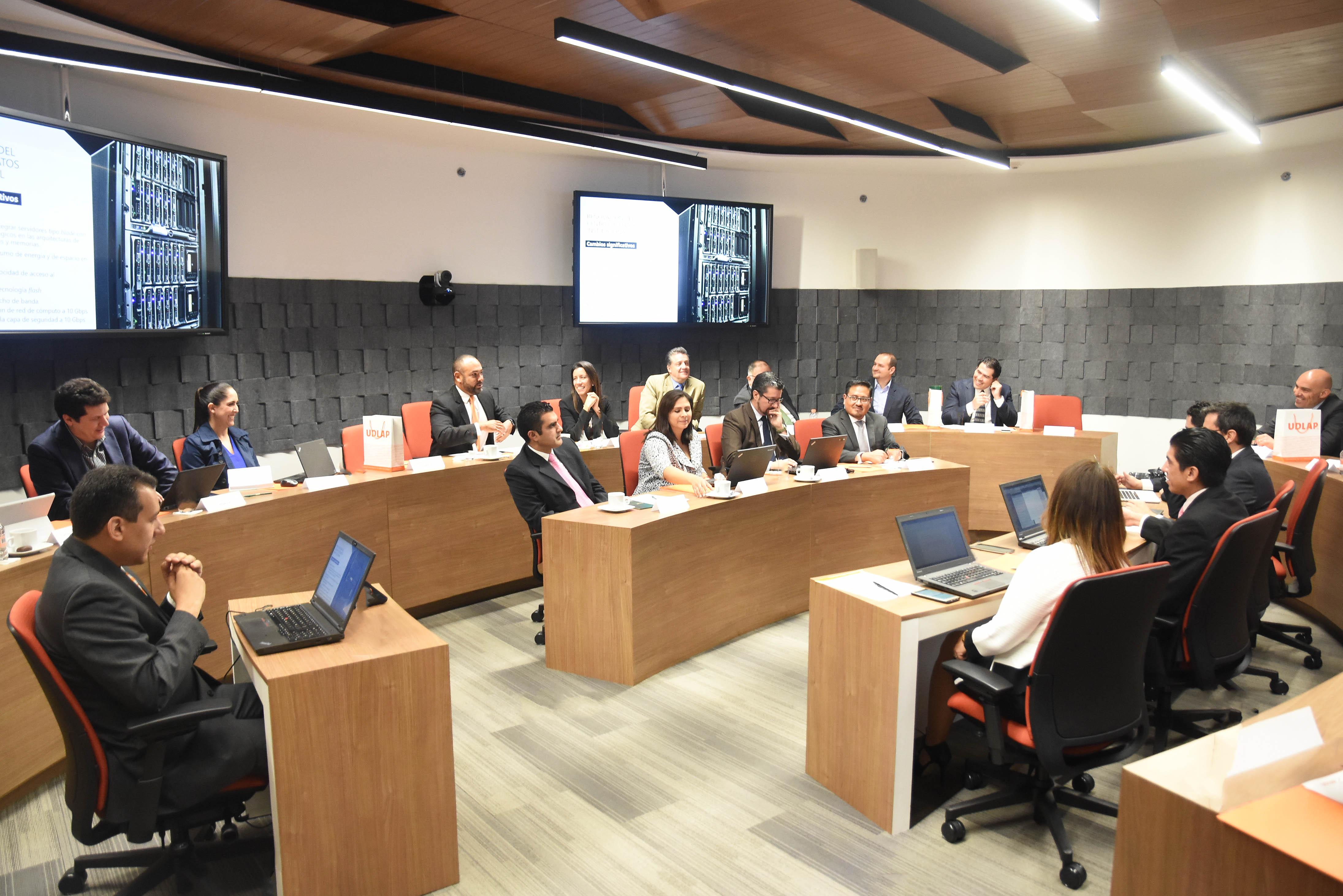 Líderes de tecnología presentes  en Consejo de Innovación UDLAP