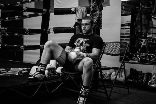 Canelo Álvarez ya está en NY para su pelea ante Rocky Fielding