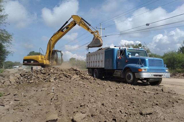 Después de 25 años dan mantenimiento a tramo carretero de Tehuacán-Teotitlán