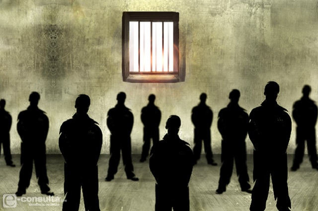 Con violencia y sin reglas viven reos en 4 reclusorios poblanos, alertan