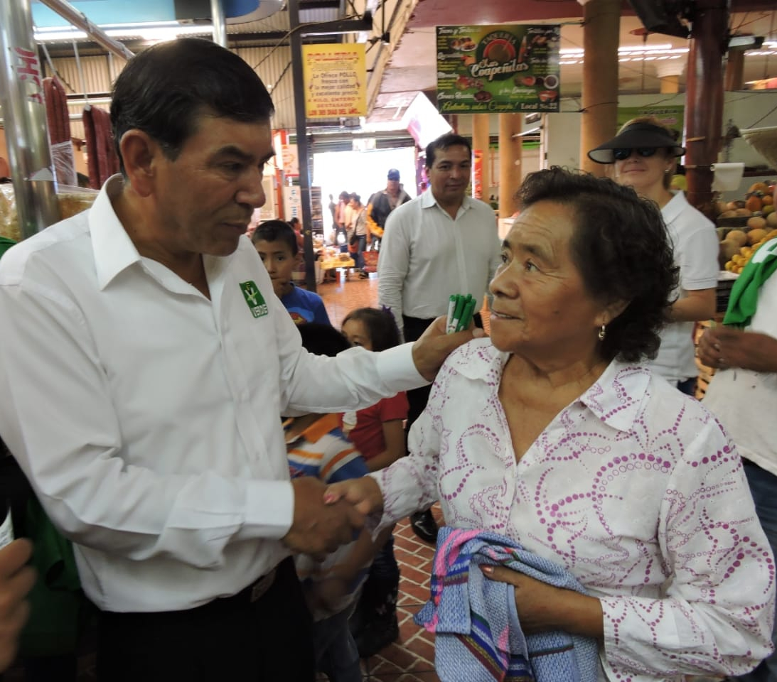 Transporte hospitalario gratuito Tehuacán-Puebla, planea Pedro Tepole