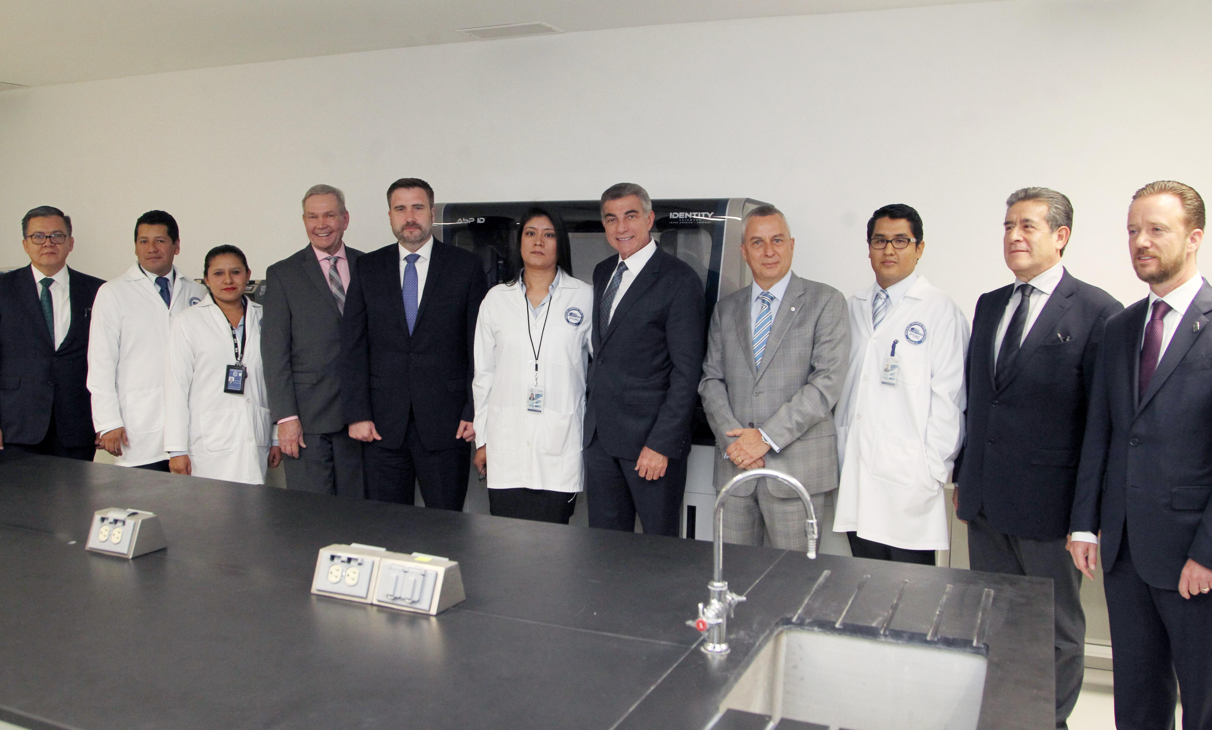 Laboratorios forenses de Puebla reciben acreditación internacional