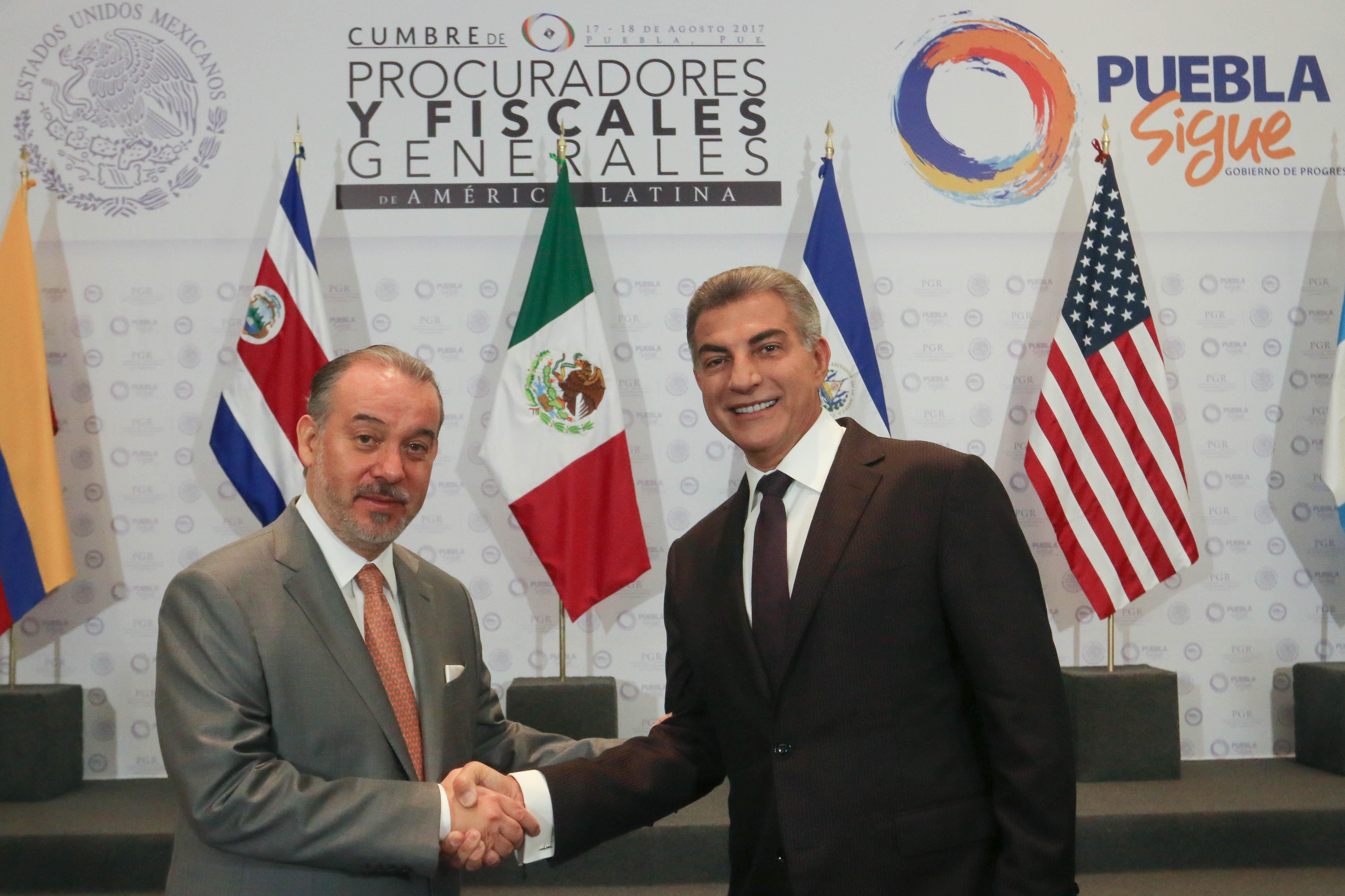 Raúl Cervantes y Antonio Gali encabezan cumbre de procuradores