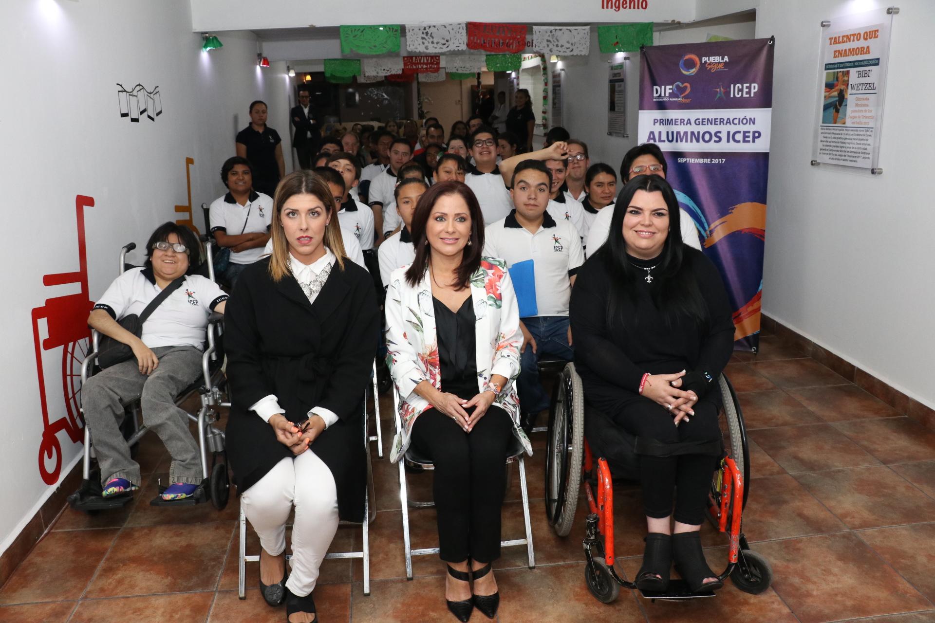 Dinorah López de Gali apoya la educación y la inclusión laboral