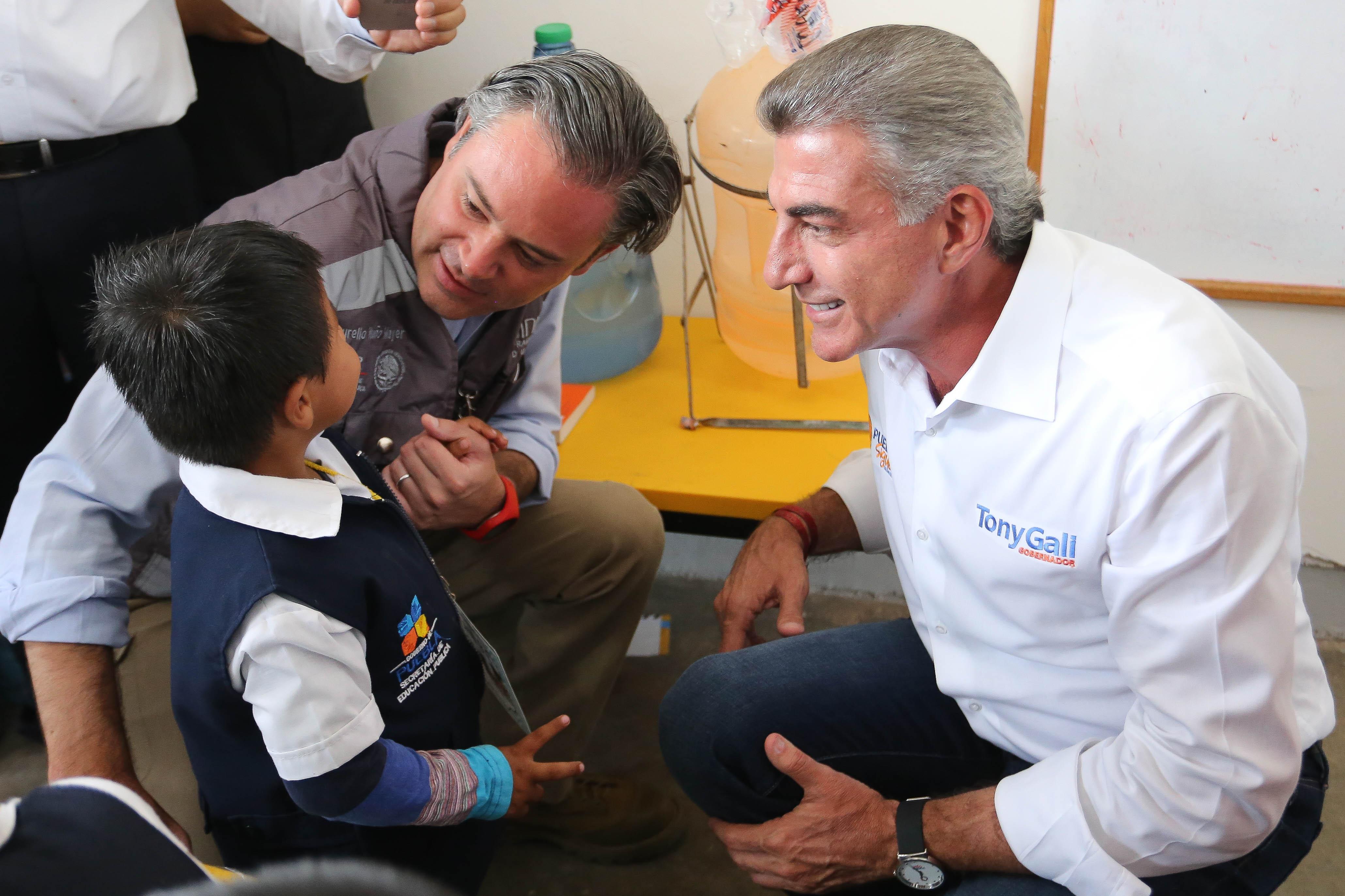Nuño y Gali anuncian mil 900 mdp para rehabilitar escuelas