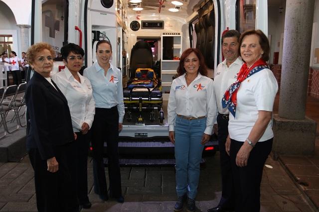 Dona SEDIF ambulancia a la Cruz Roja Mexicana en Puebla