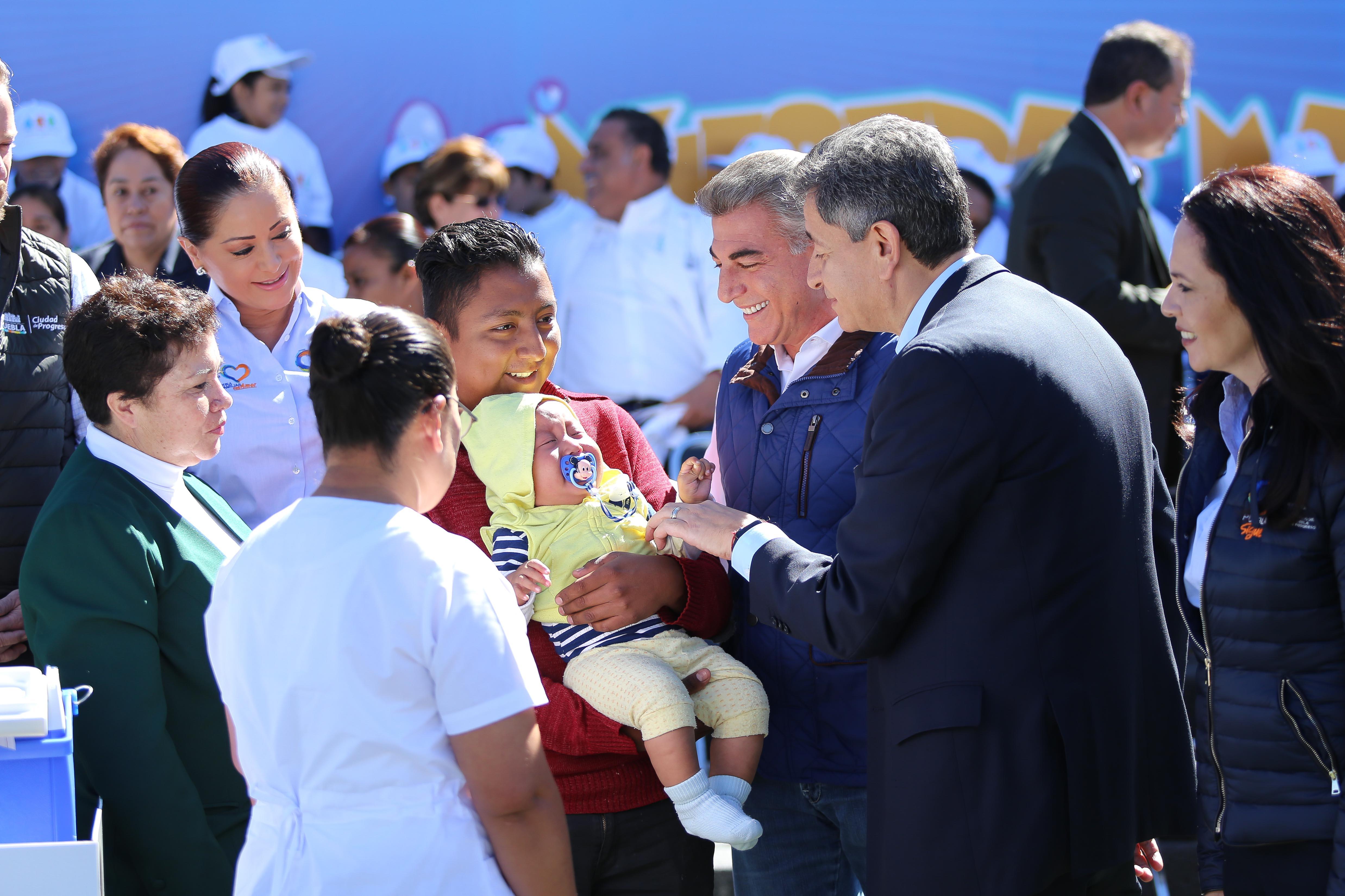 Gobiernos federal y estatal fortalecen estrategias de salud en Puebla