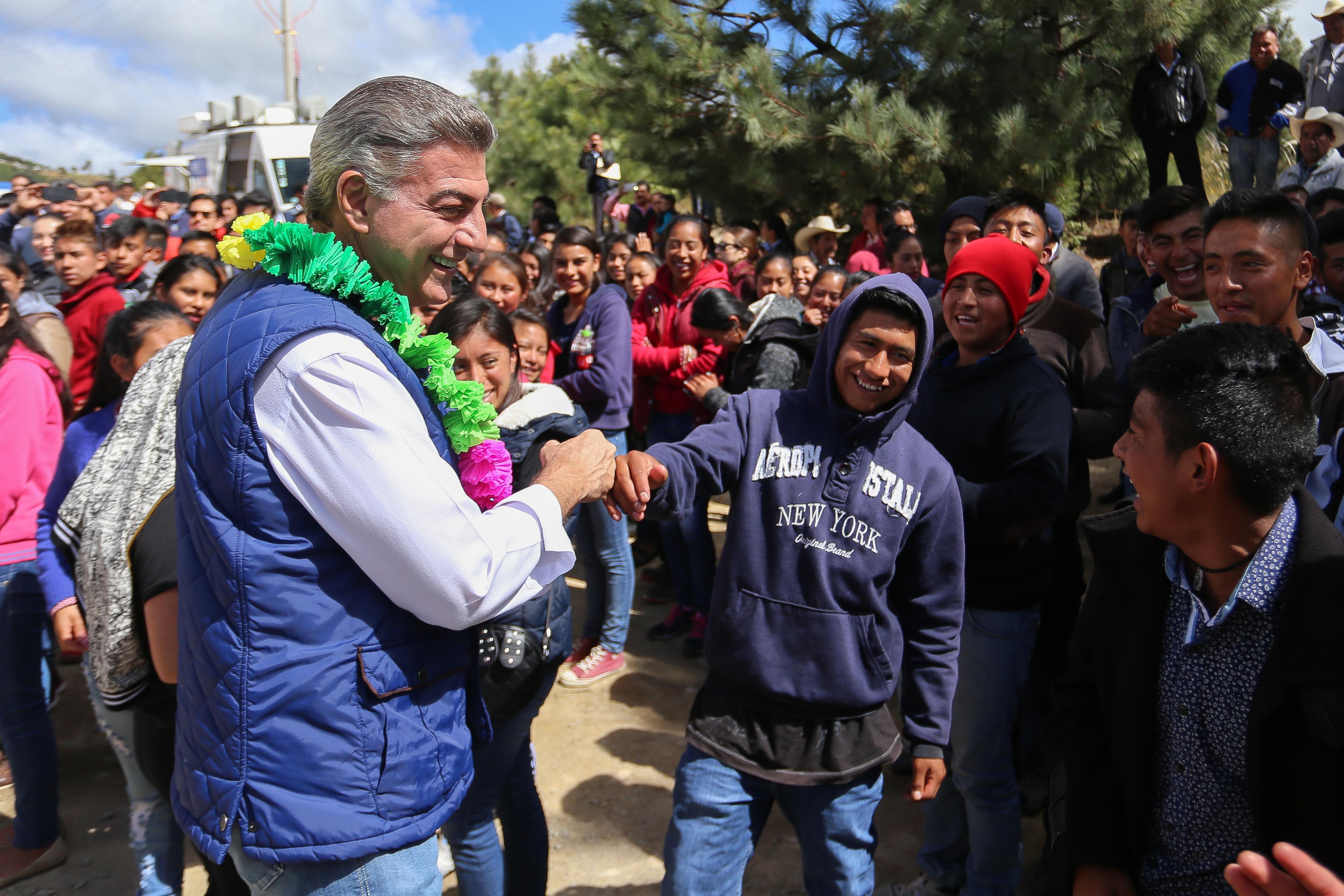 Promueve Antonio Gali valores en los jóvenes