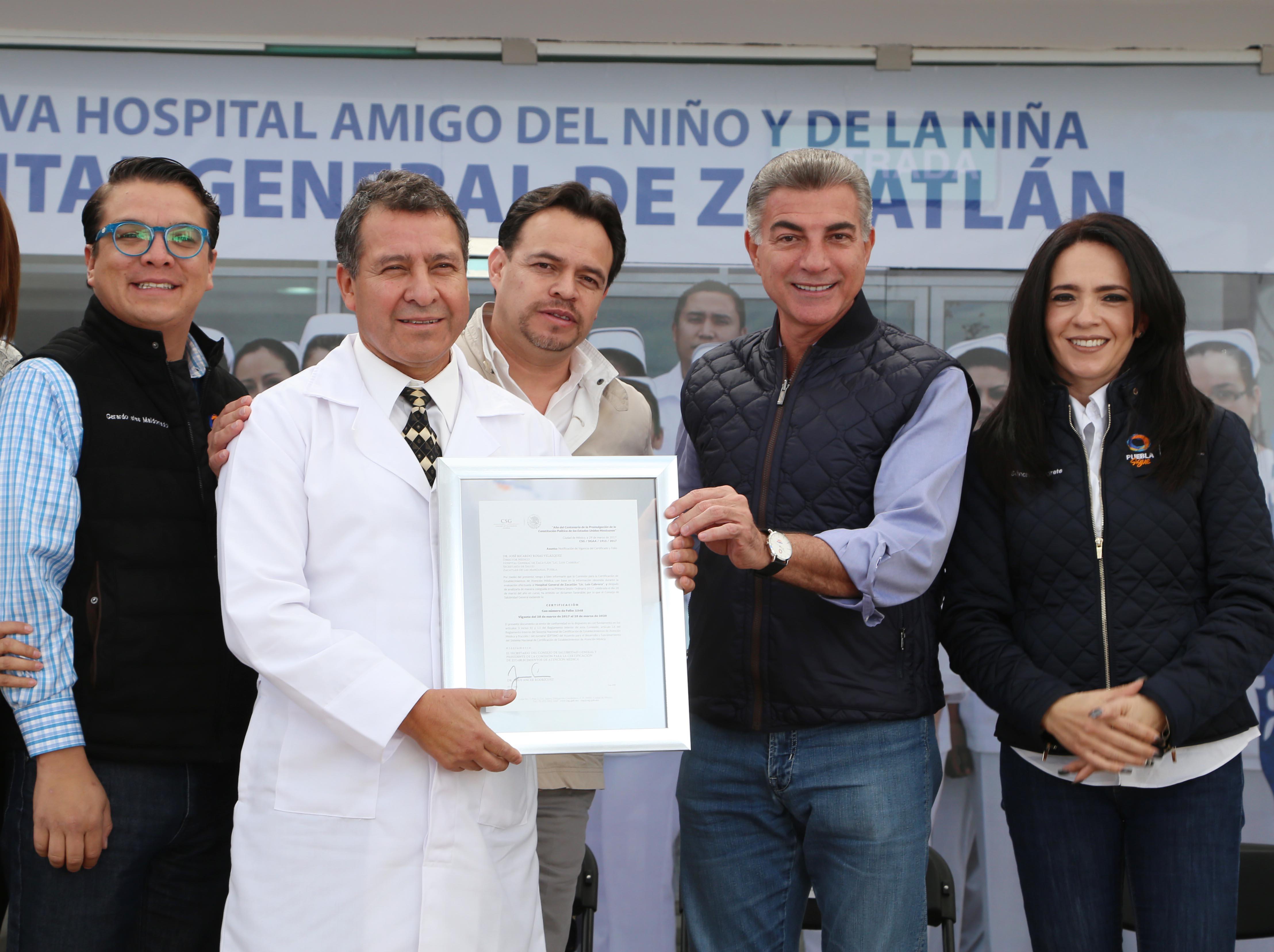 Recibe Gali certificación del Hospital General de Zacatlán