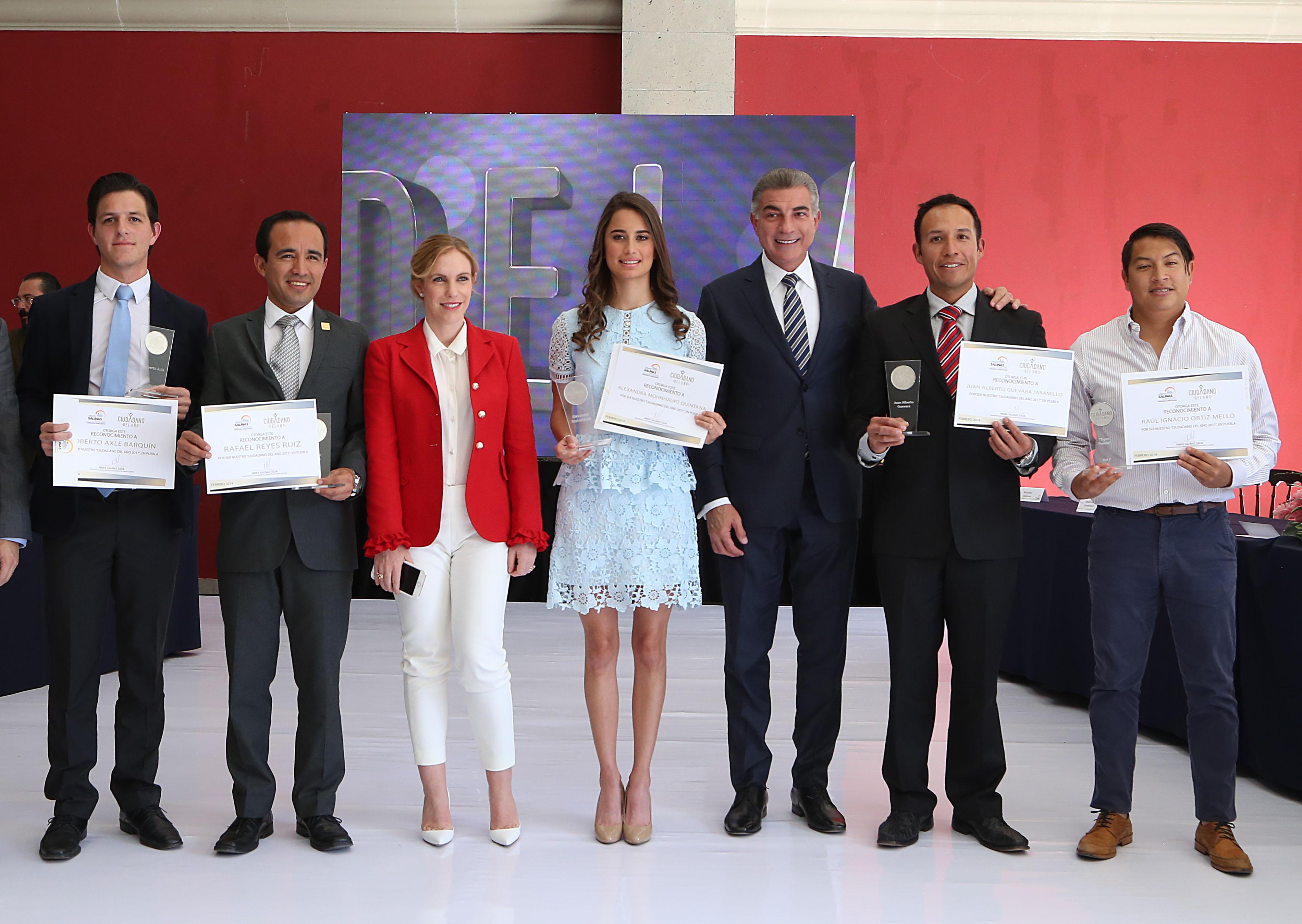Encabeza Antonio Gali entrega de reconocimiento Ciudadano del año