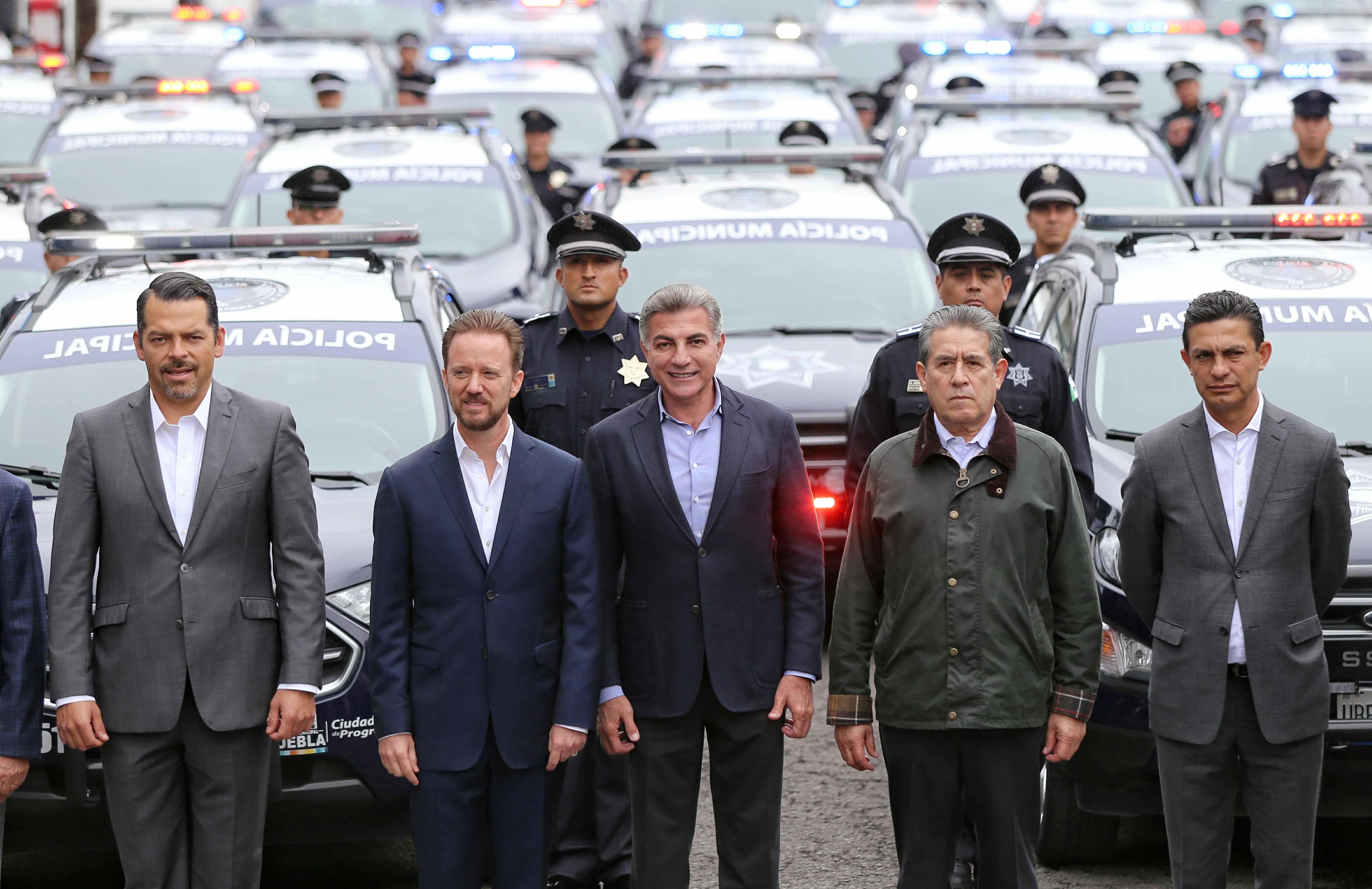 Entregan 40 patrullas en la capital para fortalecer la seguridad
