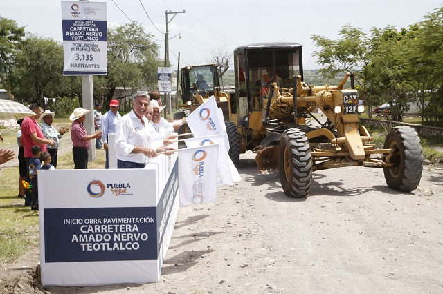 Gobernador Gali da inicio a obra carretera de 16. 3 mdp en Teotlalco