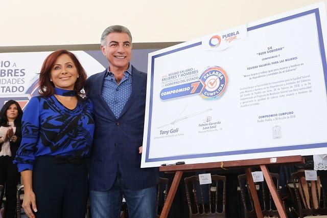 Cumple Antonio Gali con equidad salarial para las mujeres en Puebla