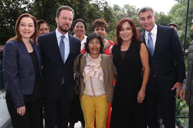 Dinorah López de Gali y Tony Gali festejan el Día del Abuelo