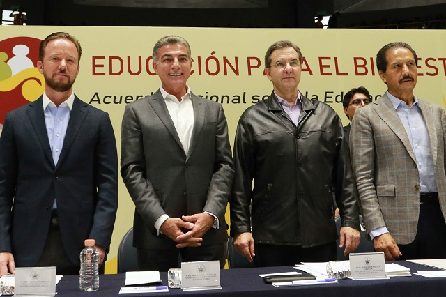 Gali coincide con gobierno electo en impulsar educación incluyente