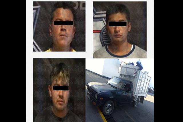Desmantelaban camioneta en San Sebastian de Aparicio; están presos