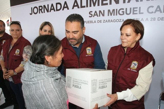 SEDIF entrega apoyos en Canoa y San Aparicio