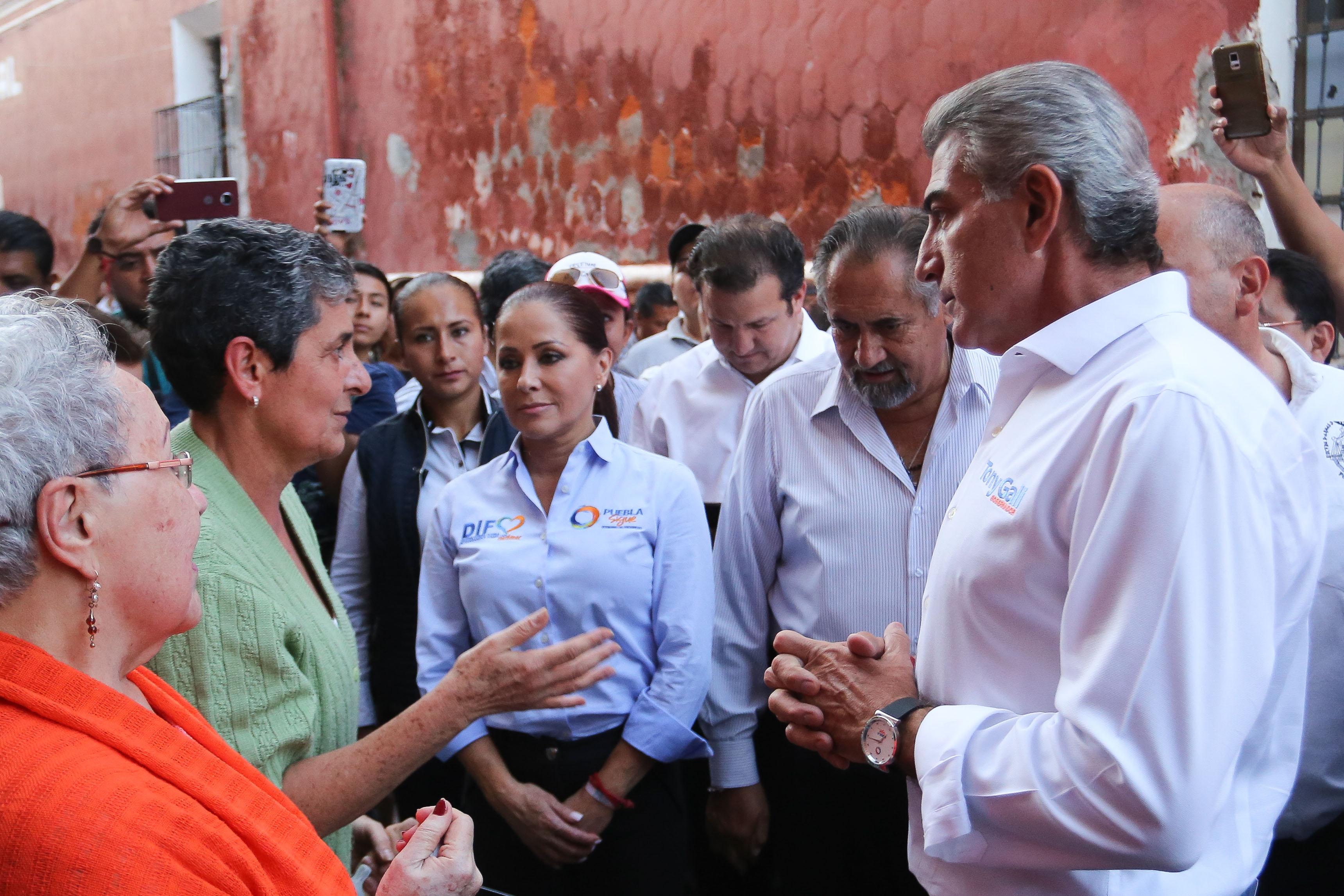Solidaridad de ciudadanos tiene a Puebla de pie: Gali