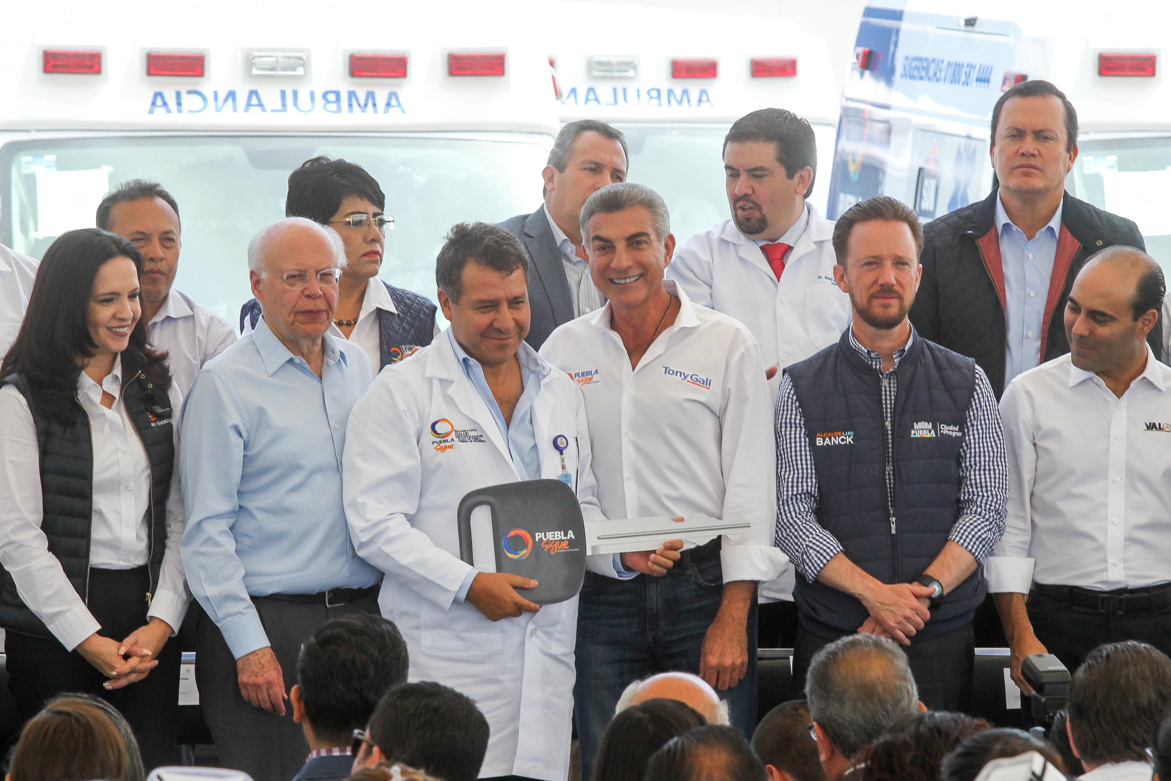 José Narro y Antonio Gali entregan ambulancias y fortalecen servicios