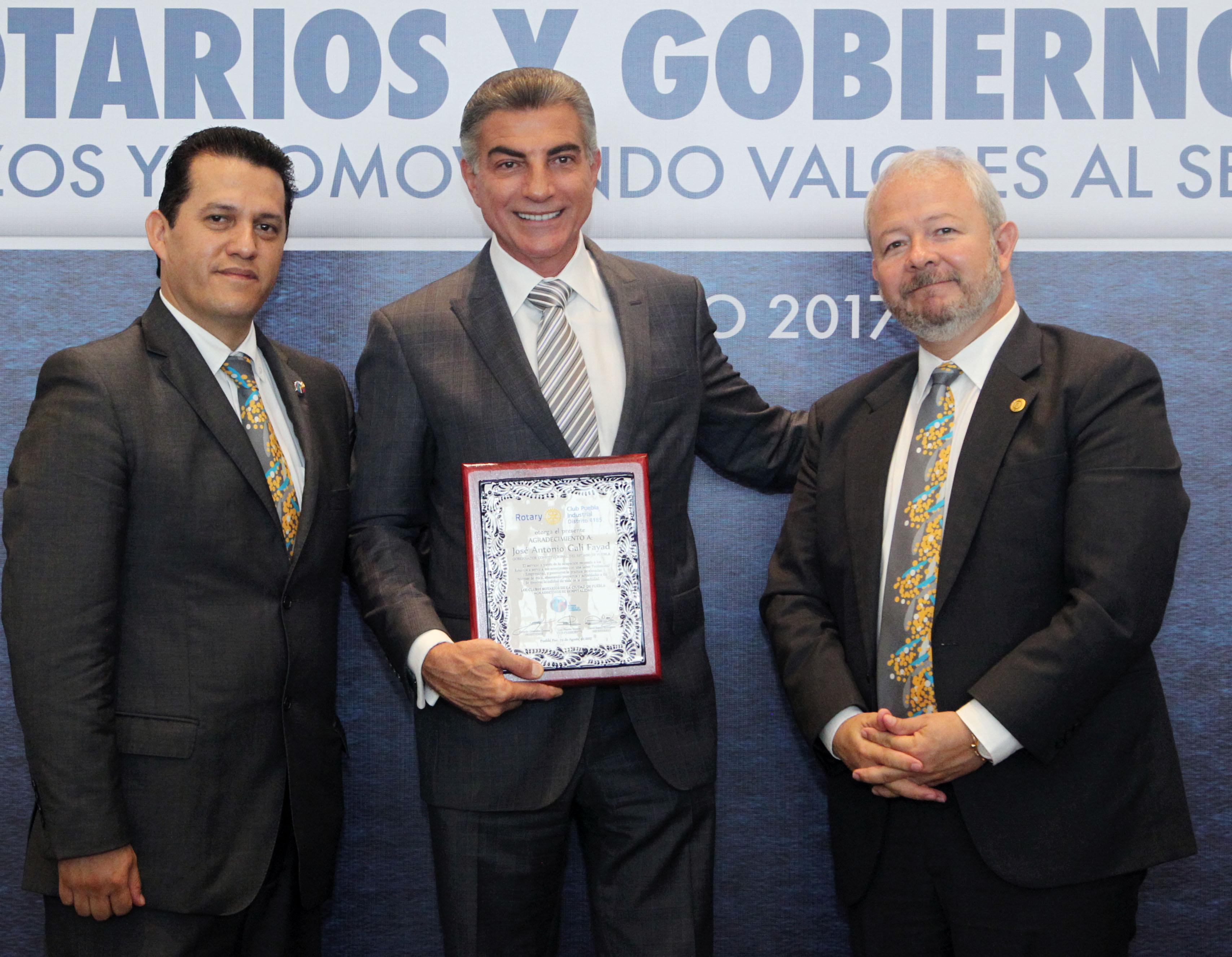 Gali suma esfuerzos con Rotarios para promover valores