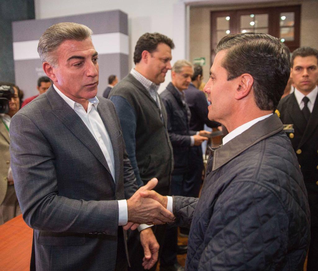 Acude Gali a reunión con EPN y empresarios para la reconstrucción