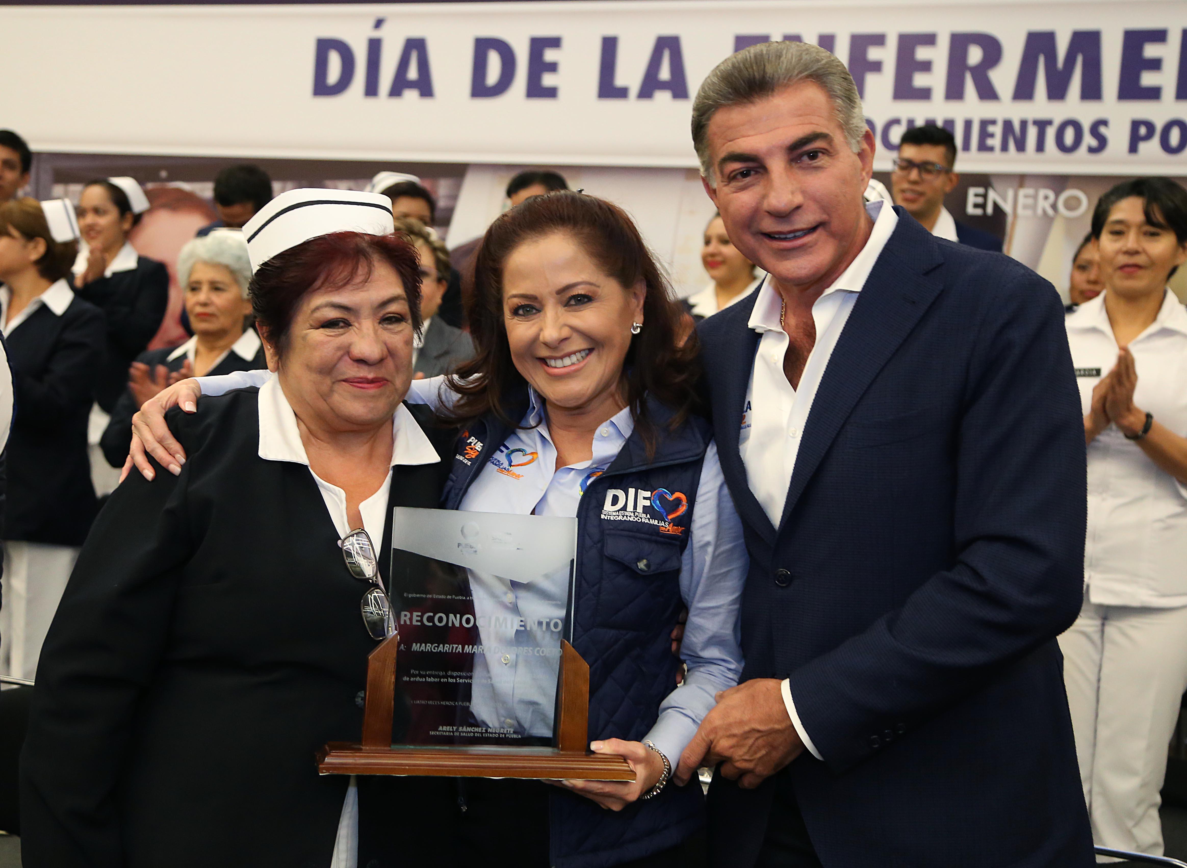 Gobernador Gali reconoce labor de las enfermeras y enfermeros de Puebla
