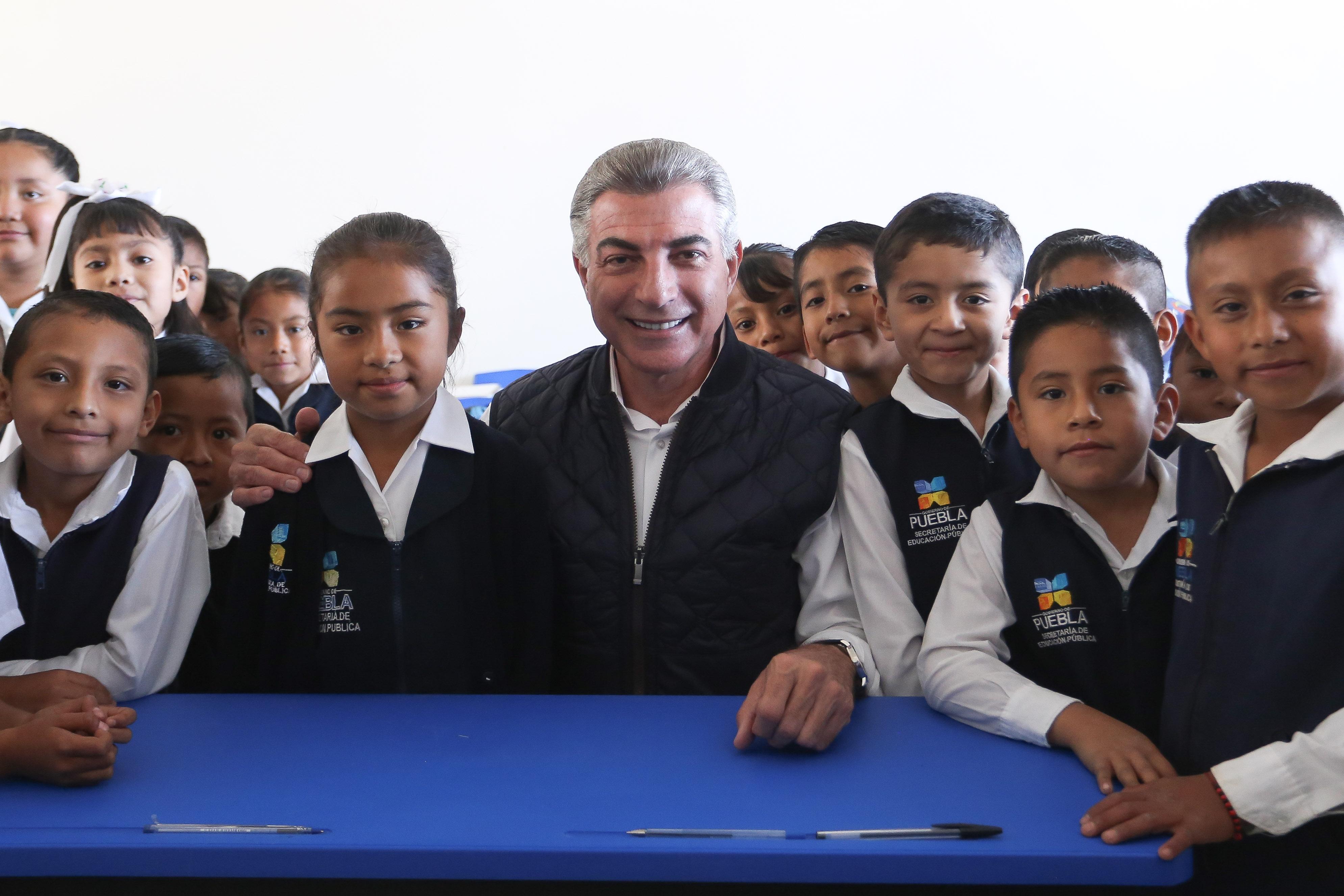 Antonio Gali entrega acciones de la reconstrucción en Tochimilco