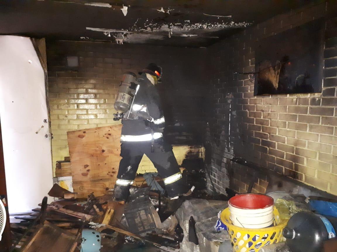 Bomberos sofocan incendios en Puebla capital y zona conurbada