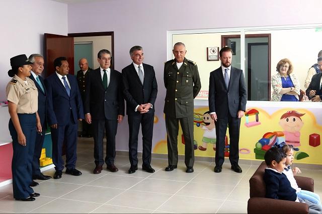 Resultado de imagen para Salvador Cienfuegos y Tony Gali inauguran espacios educativos en Puebla