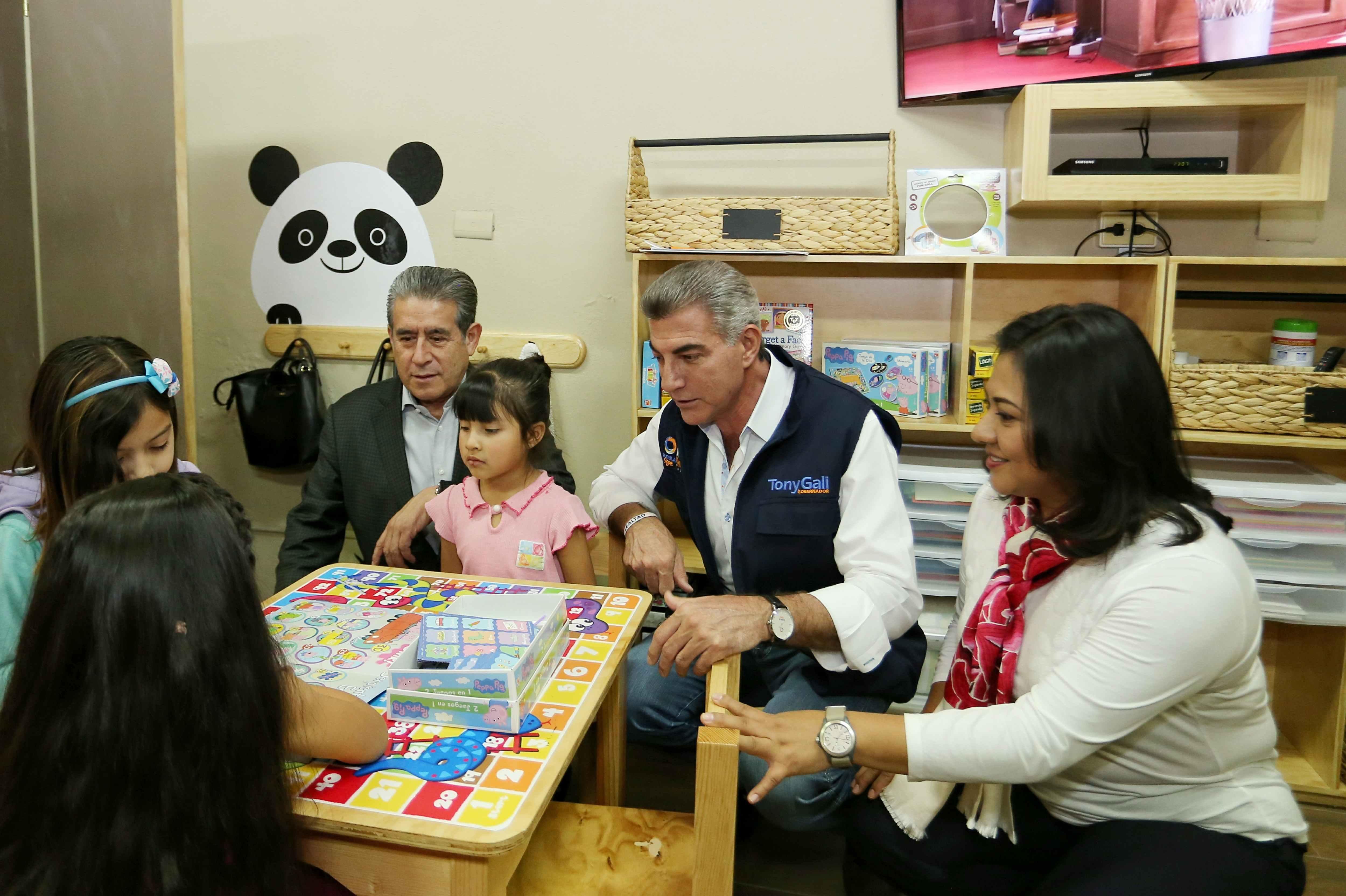 Gali inaugura clínica de atención para infantes víctimas de agresión