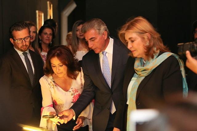 Gali y embajadora de Colombia inauguran exposición en Cholula