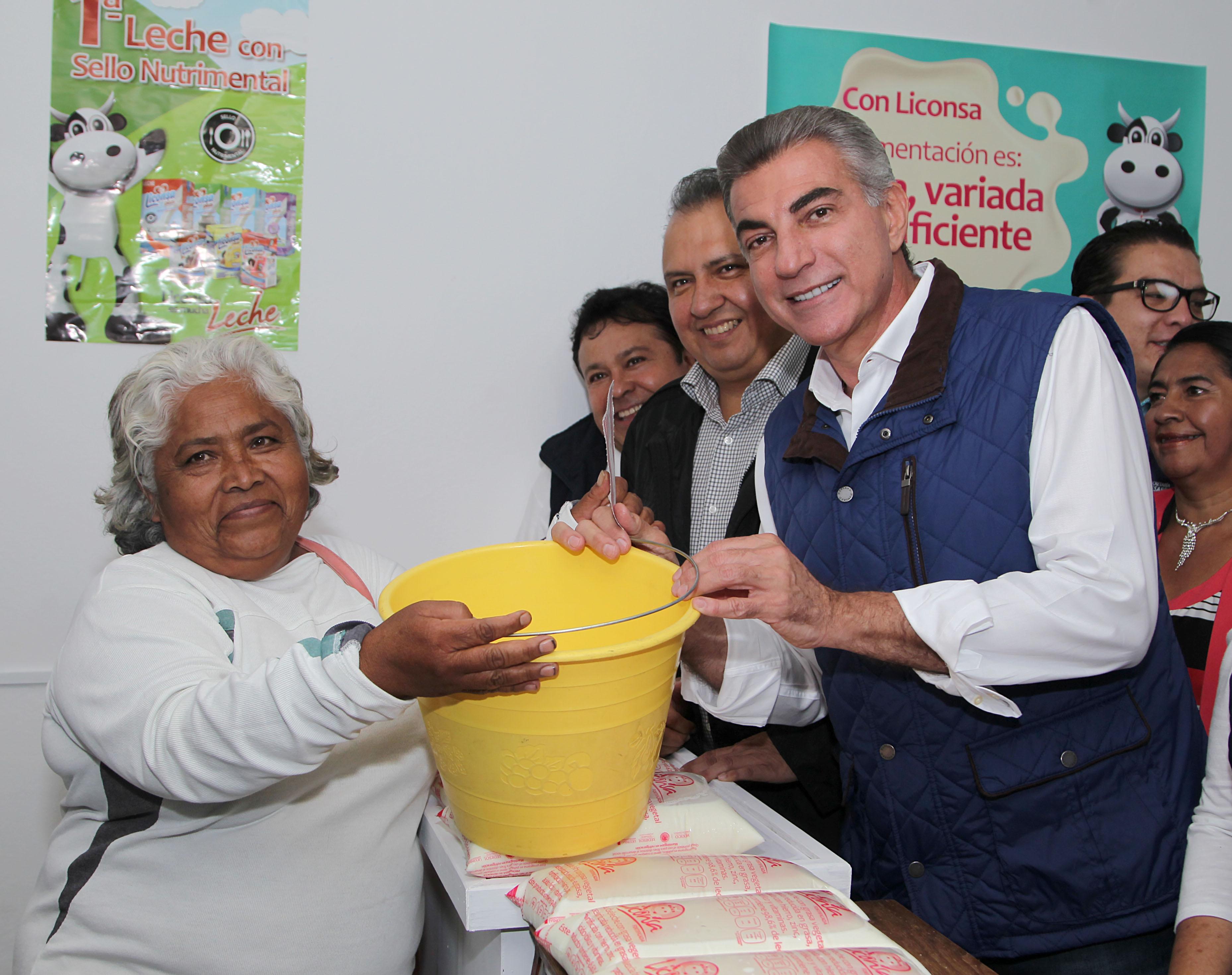 Federación y estado inauguran 9 lecherías Liconsa en la entidad