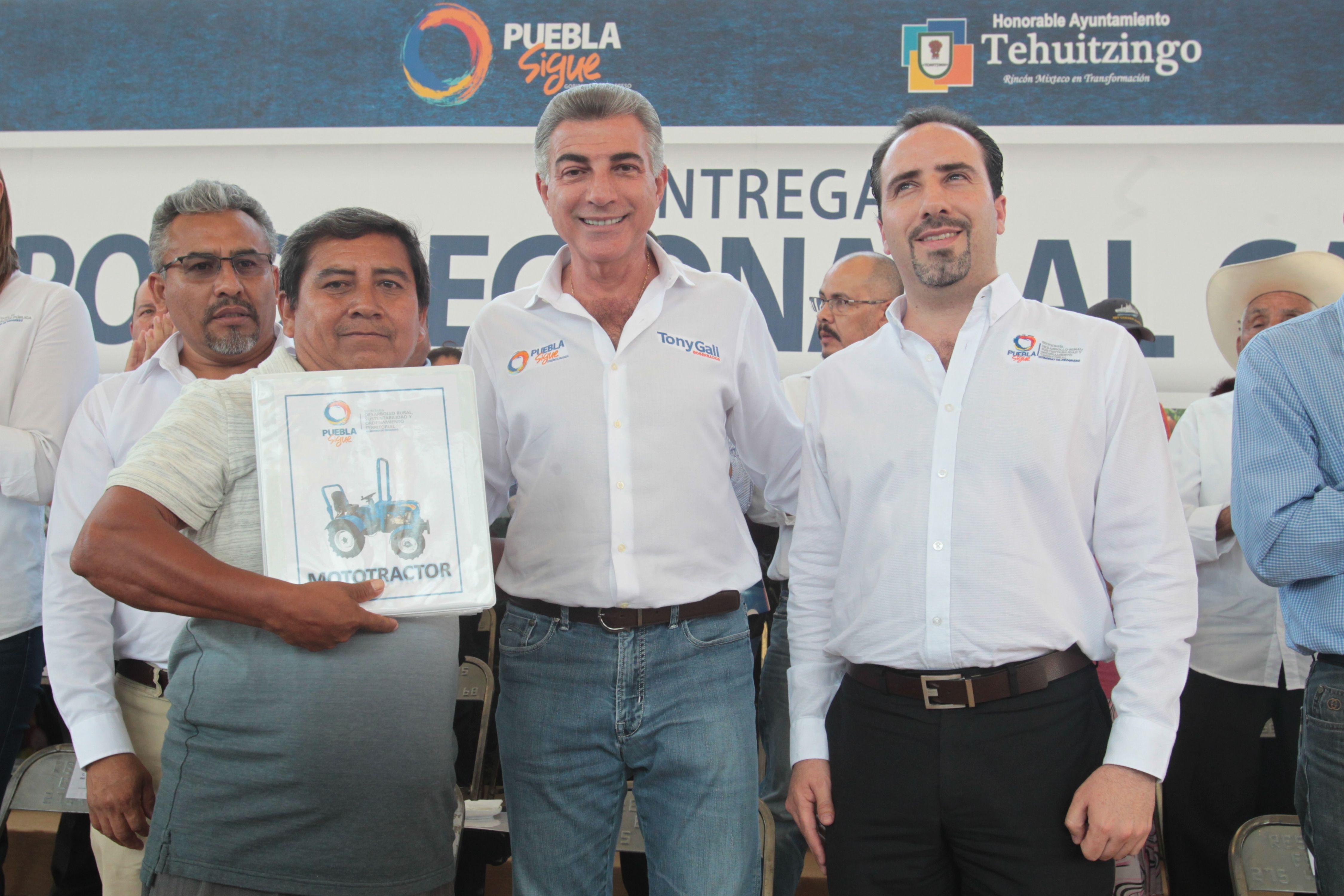 Entrega Gali obras de reconstrucción en la Mixteca